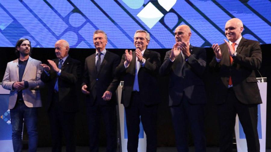 Macri y Fernández chocan en segundo debate presidencial en Argentina
