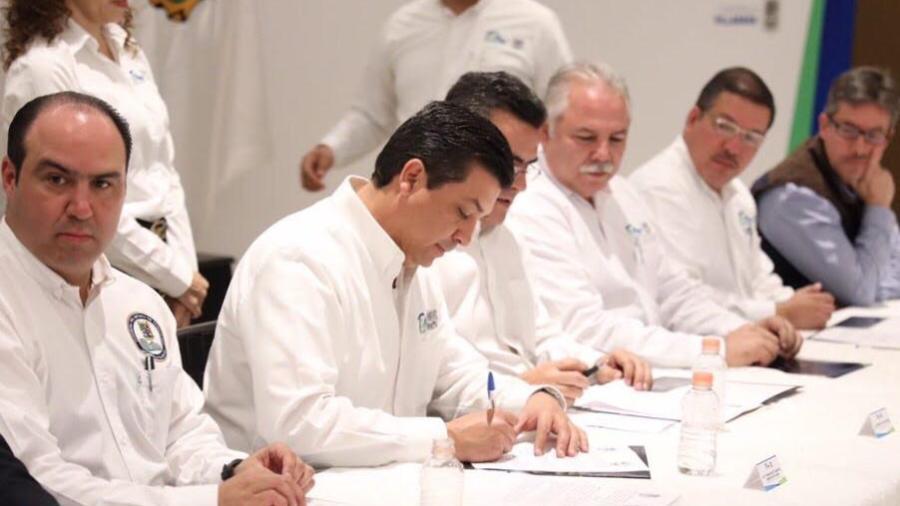 Firman Alcaldes, Poderes y CDV Acuerdo de Austeridad