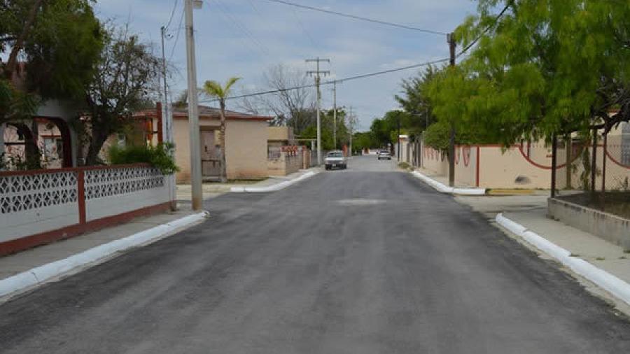 """Rehabilitan con pavimentación, cruces del poblado """"Los Guerra"""""""
