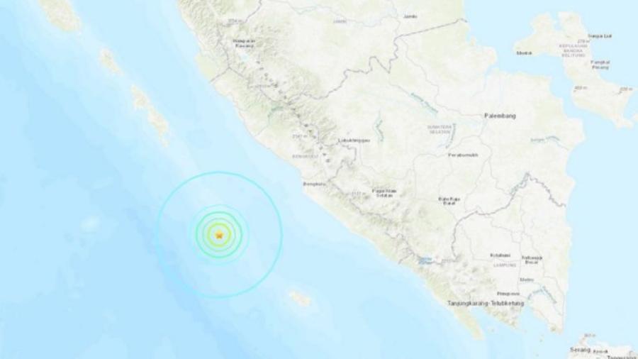 Sismo de 5.9 grados sacude Indonesia