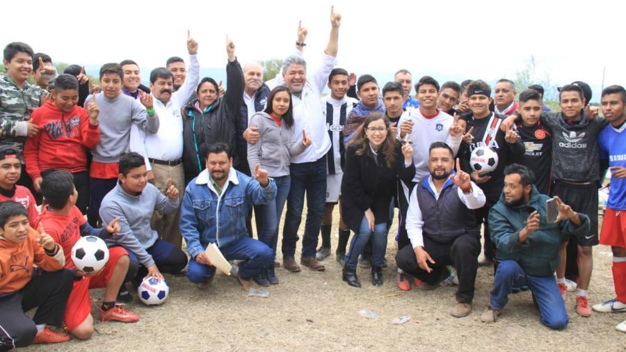 Benefician a familias de Manuel Ávila Camacho con Feria Ejidal.