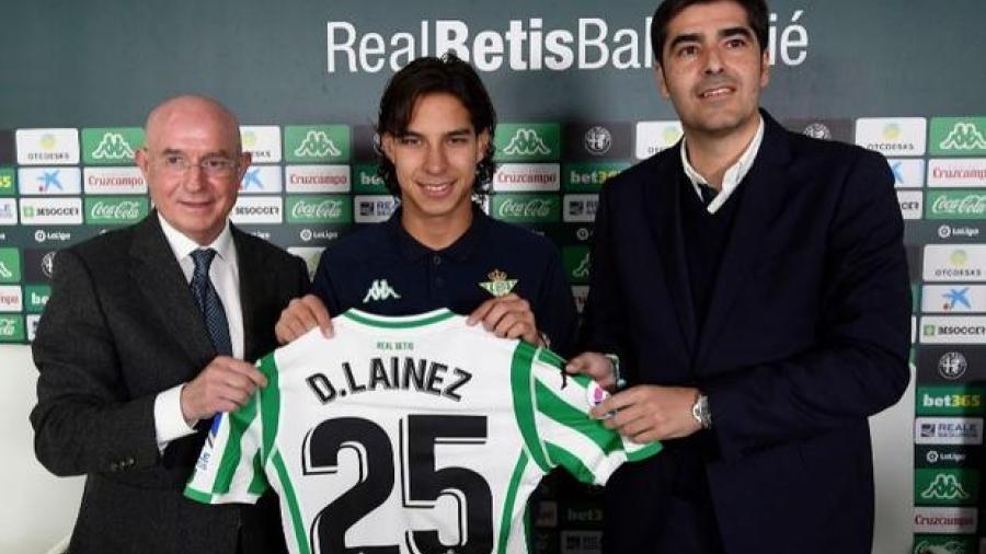 Diego Lainez es presentado oficialmente como jugador del Real Betis