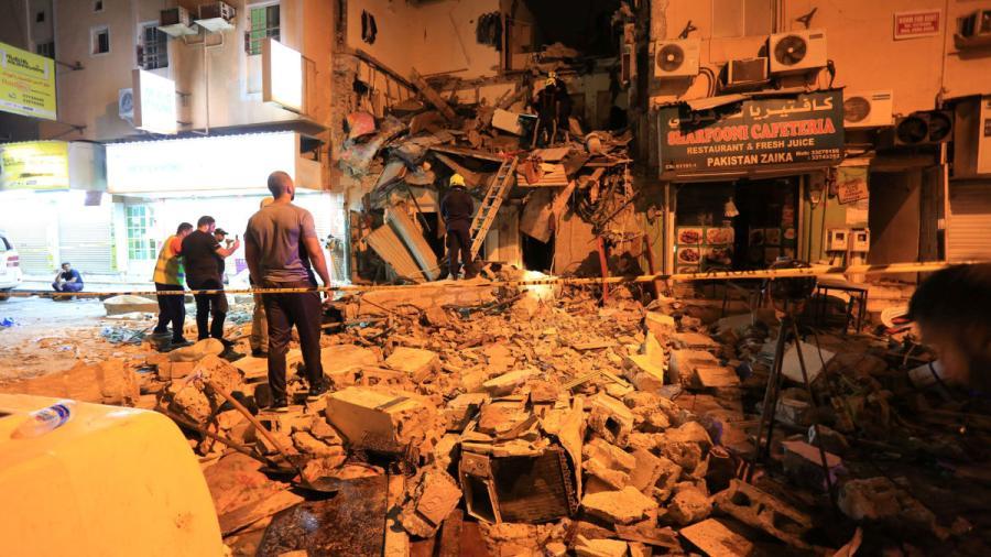 Al menos cuatro muertos tras derrumbarse un edificio en Baréin