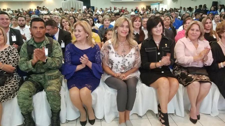 Asiste Maki Ortiz como invitada de honor a Toma de Protesta en Camargo