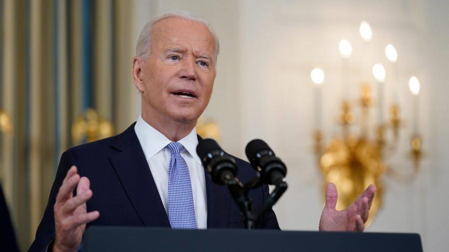 """Promete Joe Biden que """"habrá consecuencias"""" por el maltrato a migrantes"""
