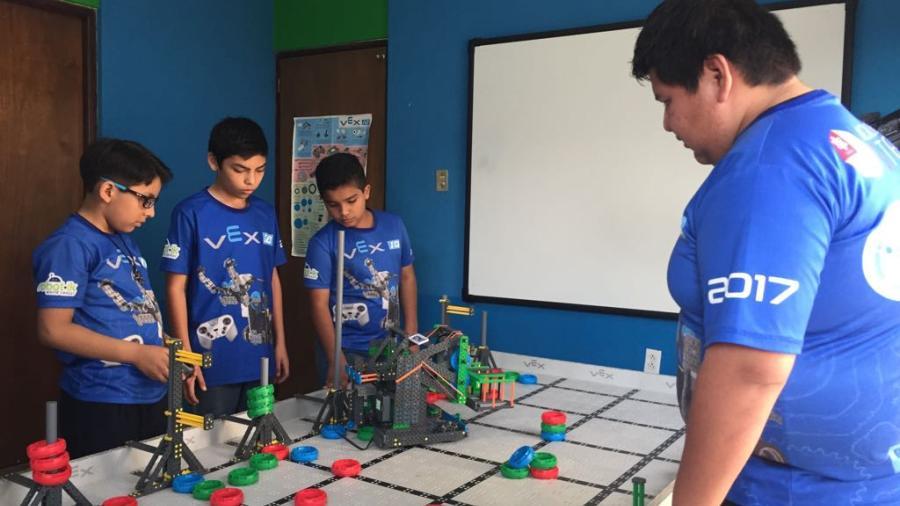 Alumnos de educación básica participarán a nivel internacional de robótica