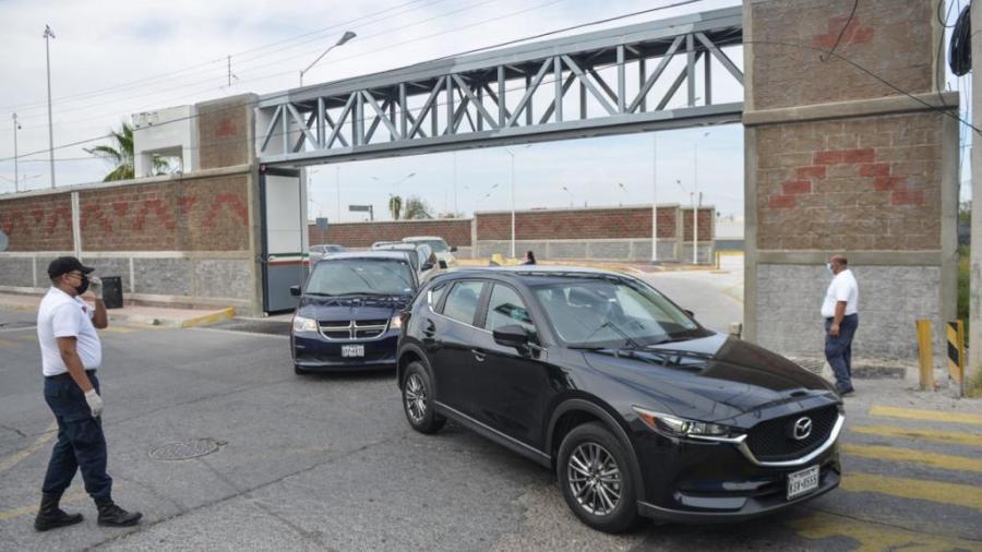 Se extiende en Nvo, Laredo el 'Hoy No Circula' a vehículos que vienen de EU