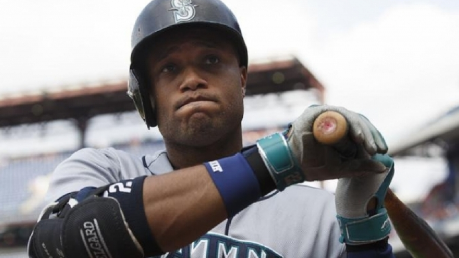 MLB suspende a Robinson Canó