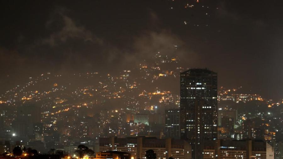 Restablecen servicio eléctrico en Venezuela