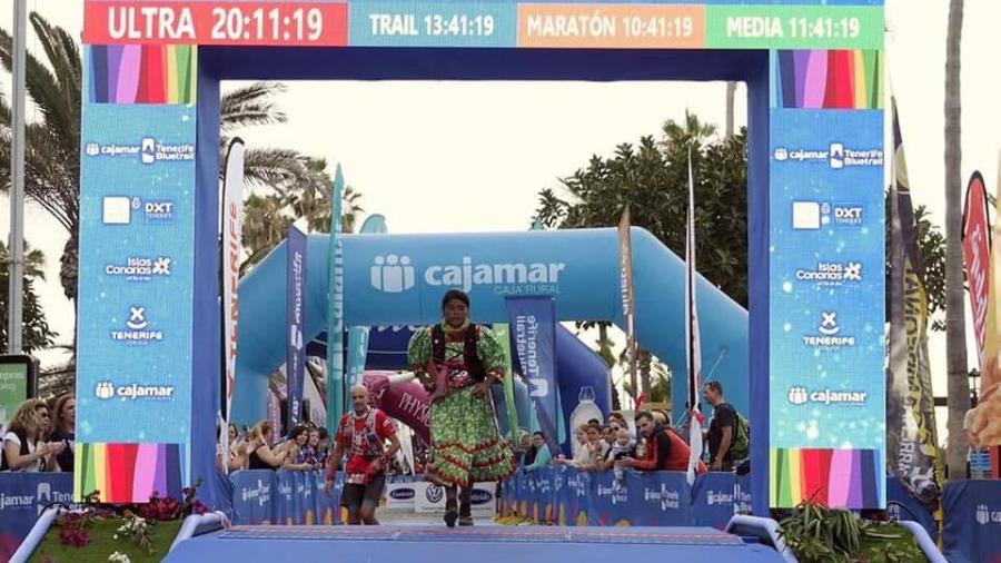 Rarámuri Lorena Ramírez obtiene el tercer lugar en ultramaratón europeo
