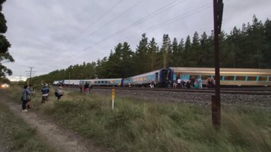 Al menos dos muertos en Sidney tras descarrilamiento de un tren