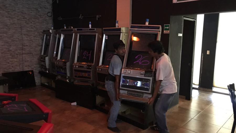 Clausuran casino clandestino con 50 máquinas tragamonedas