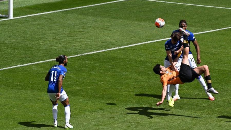 Wolves se impone ante el Everton, con anotación de Raúl Jiménez