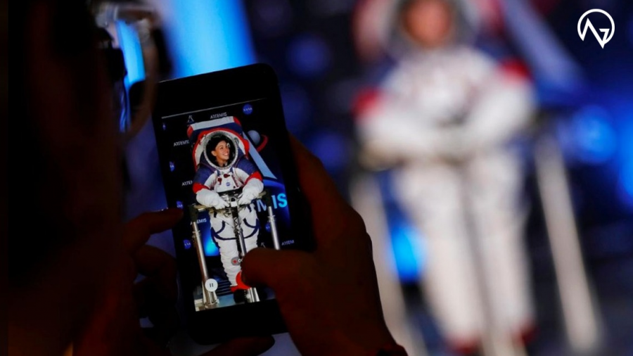 Presentan los nuevos trajes espaciales para volver a la Luna