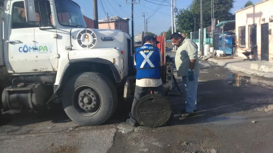 Normalizan servicio de drenaje en área de la zona Centro
