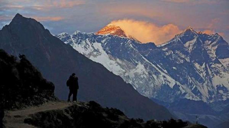 Prohíben plásticos de un solo uso en la zona del Everest