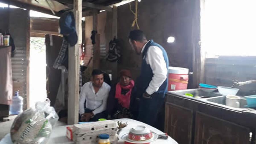 Entregan apoyos a familias vulnerables en Miguel Alemán