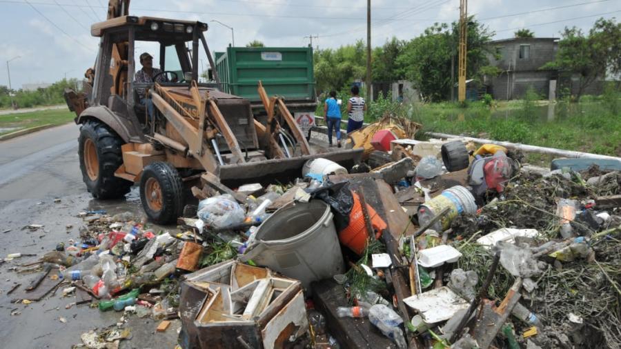 Drenes contribuyen a bajar la inundación en colonias afectadas en Reynosa