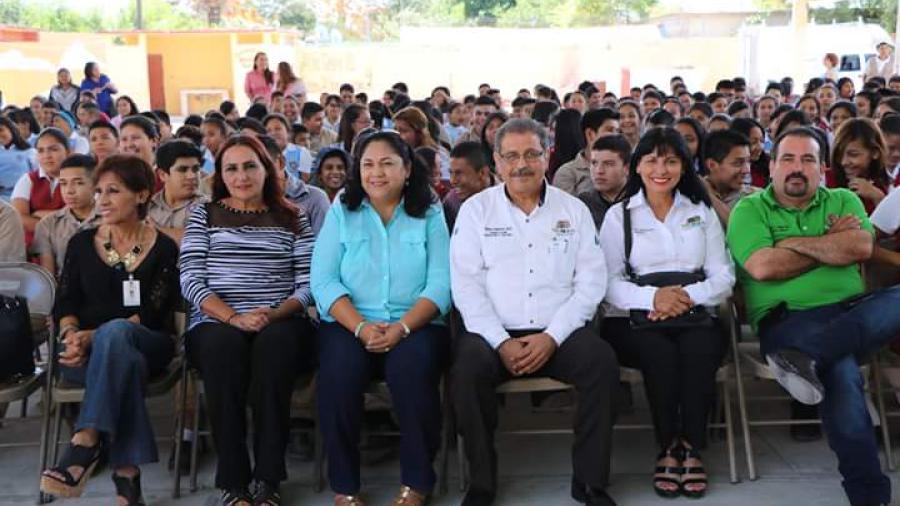 """Continúan festejos del """"Día del estudiante"""""""