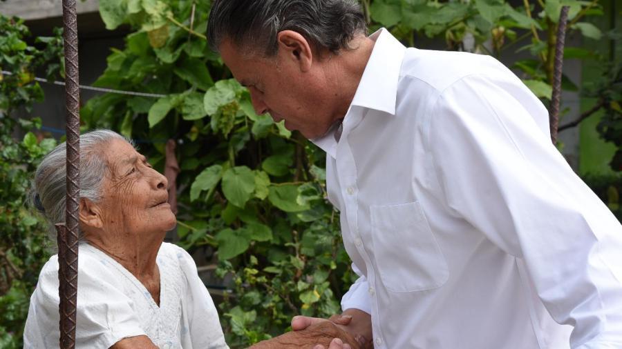 Reconocen trabajo de Chucho Nader en la colonia López Portillo
