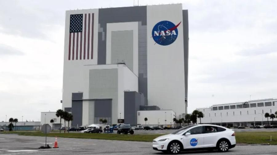 Enviará Nasa robot a la Luna en busca de hielo