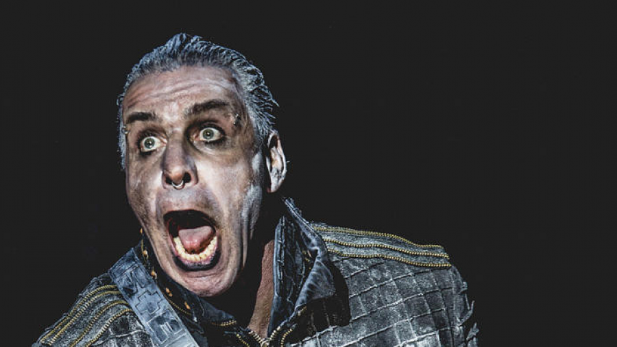 Vocalista de Rammstein, en terapia intensiva por coronavirus