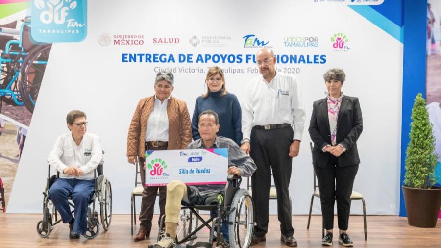 Entregan DIF Tamaulipas y Salud, apoyos funcionales a personas con discapacidad