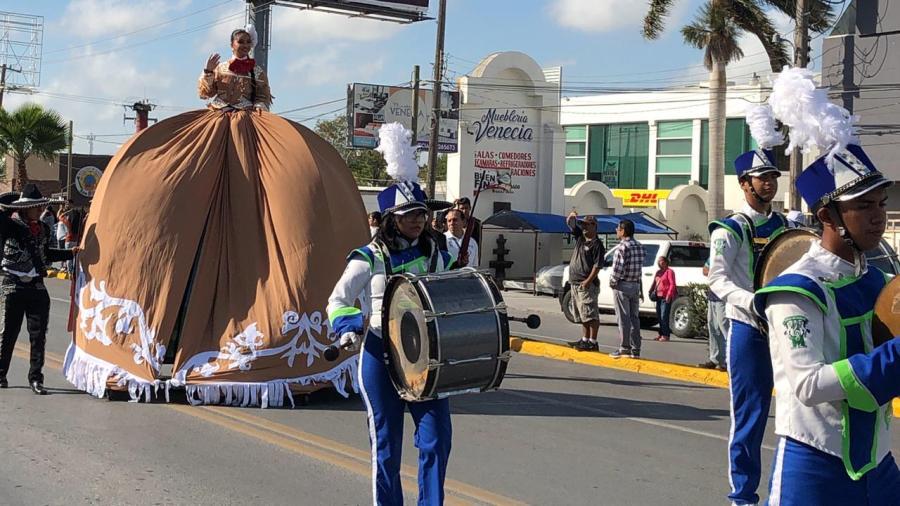 Celebran tradicional desfile de la Revolución Mexicana