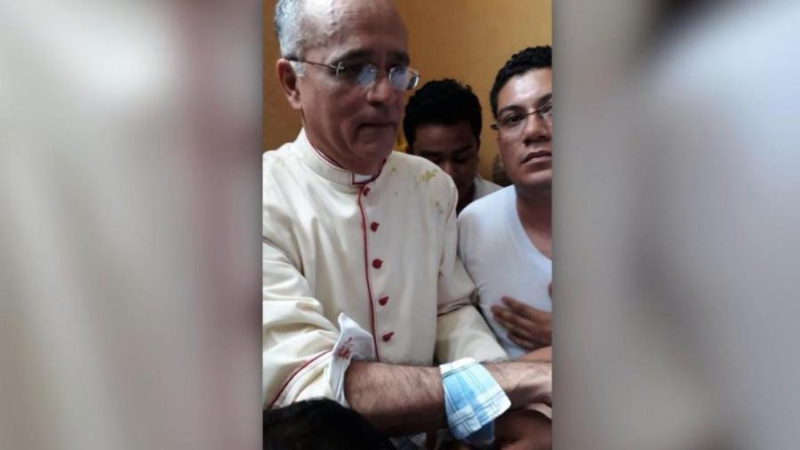 Seguidores del gobierno de Nicaragua atacan a religiosos