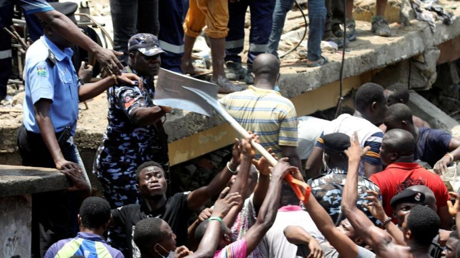 25 muertos tras derrumbe de edificio en Nigeria