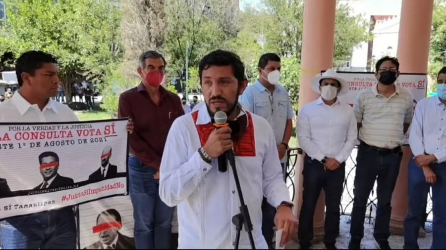 Ante desánimo del INE, integrantes de mexicanos por la 4T continúan invitando a la consulta ciudadana