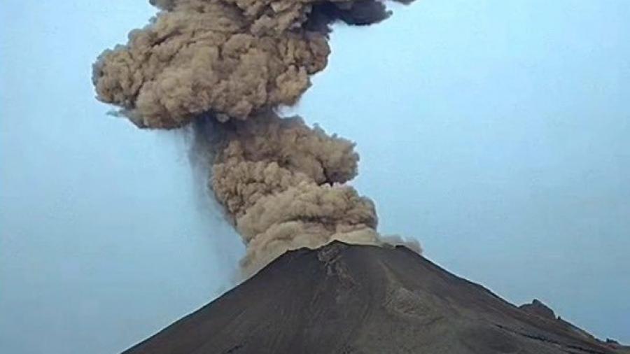 Caída de ceniza tras explosión de Popocatépetl