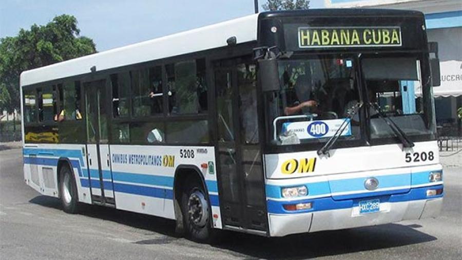 Tras crisis de combustible, Cuba restablece rutas de transporte