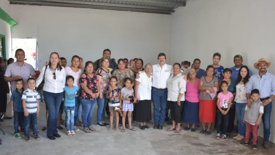 Celebran habitantes del Vicente Guerrero atención del Presidente Municipal a sus necesidades.