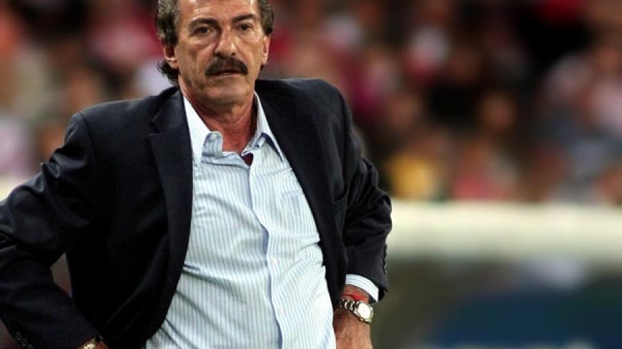 Califica Lavolpe a Paco Jémez como un 'vende humo'