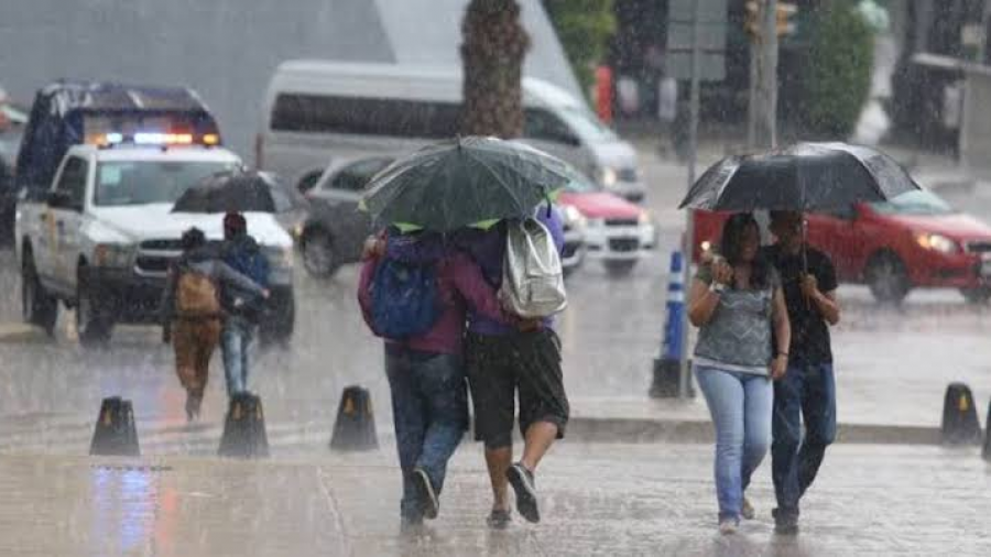 Persisten lluvias muy fuertes en varios estados del país