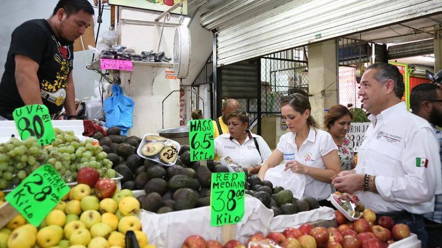 """Realizan visita masiva al mercado """"18 de Marzo"""""""