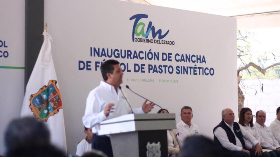 Inaugura Gobernador Cancha de pasto sintético en Ciudad Mante