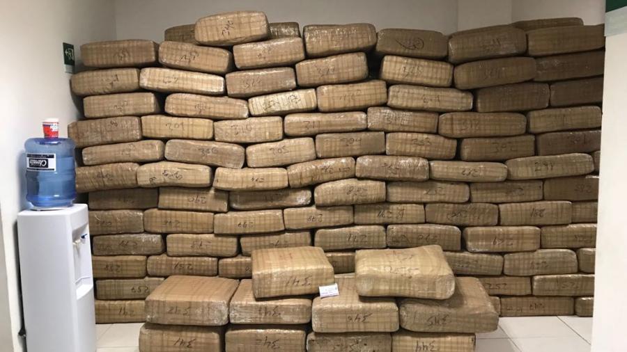 Aseguran 3.5 toneladas de droga en Valle Hermoso