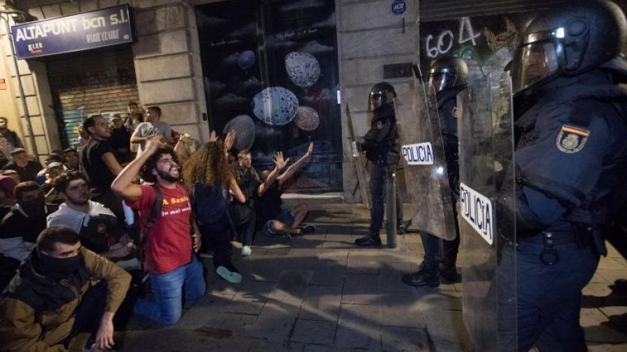 Ya son más de 170 heridos tras las protestas en Cataluña