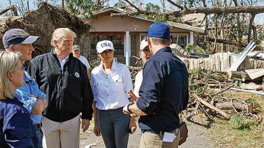 """Trump impactado por impacto de """"Michael"""""""