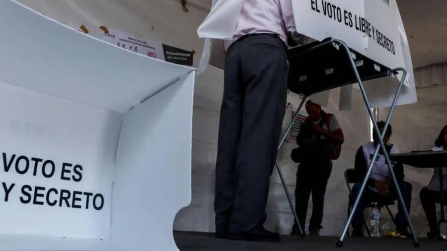 Acuden a votar candidatos a la gubernatura de Nuevo León
