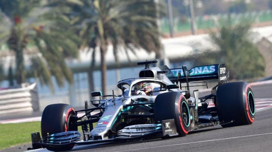 """Hamilton consigue la """"pole"""" en Abu Dhabi"""