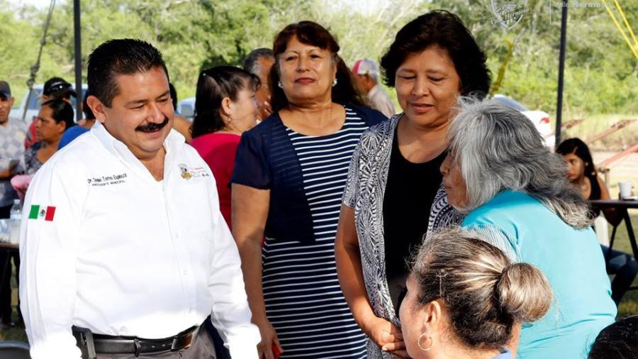 Alcalde de Valle Hermoso recorre colonia José Terán