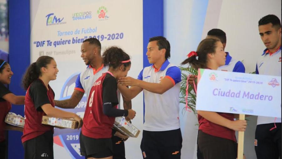 Premian a ganadores del torneo estatal de la copa DIF Tam