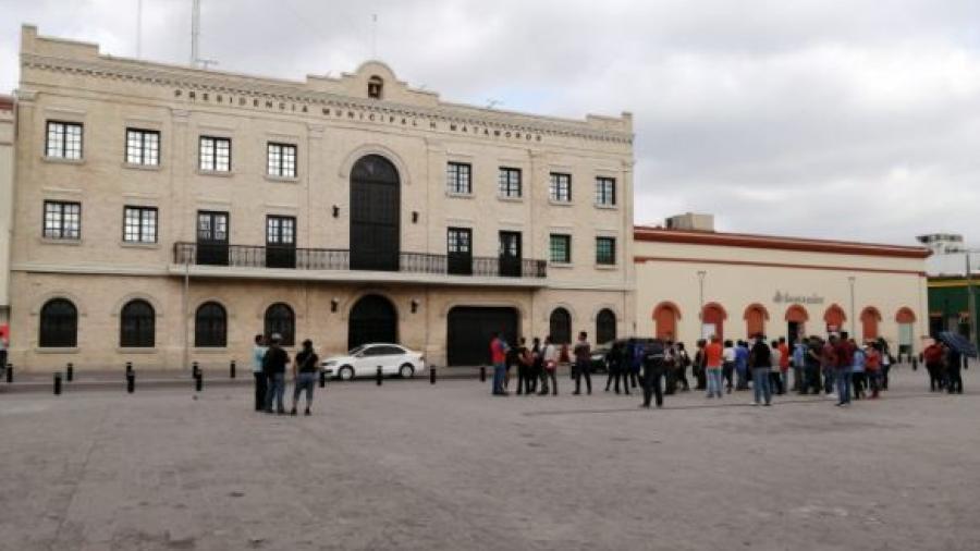 Evacuan la presidencia municipal de Matamoros ante amenazas de manifestación de simpatizantes de Susana Prieto