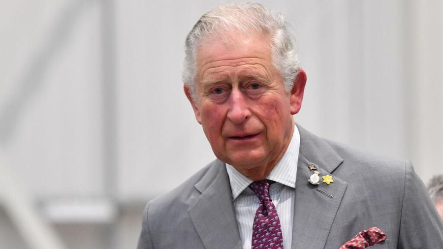 """Asegura el príncipe Carlos que tuvo """"suerte"""" con el coronavirus"""
