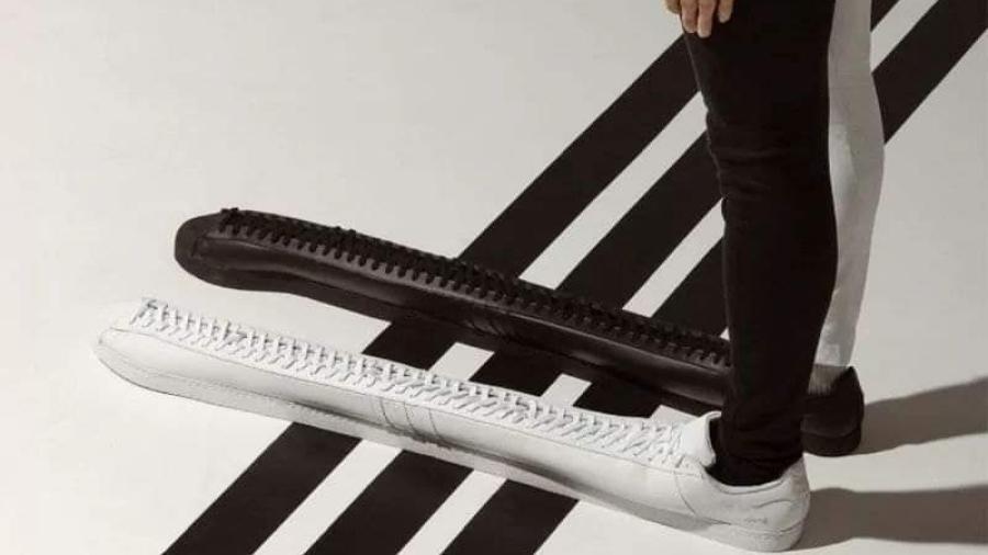 Lanzan Adidas 'Superstar' de un metro de largo
