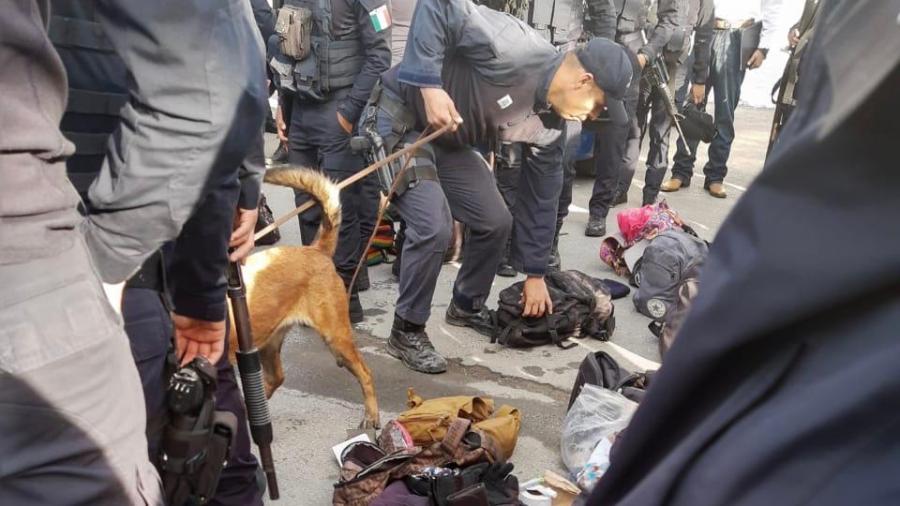 Sorprenden a policías estatales con Operativo mochila y antidoping