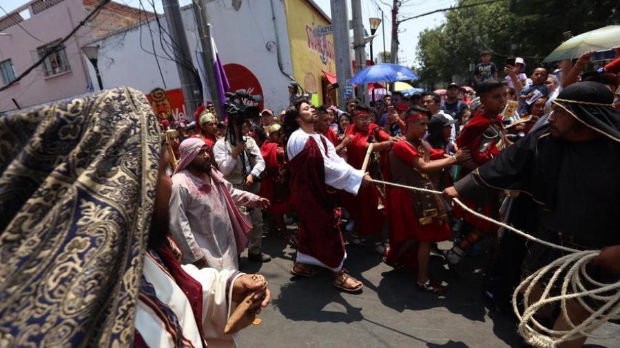 Realizan la 176 Representación de Cristo en Iztapalapa